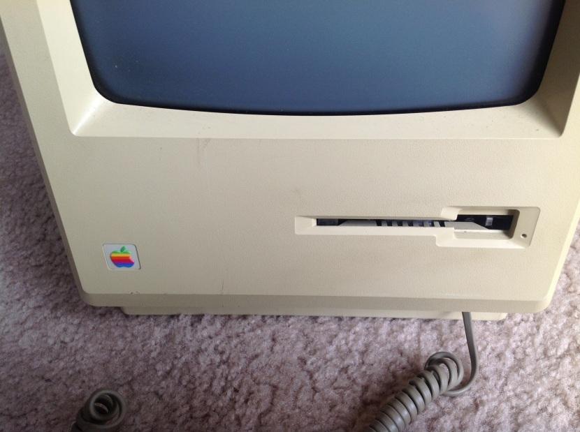 Mac128_Front_Detail