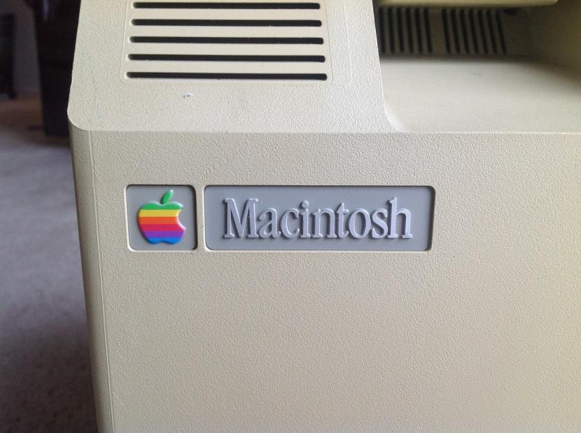 Mac128_Nameplate