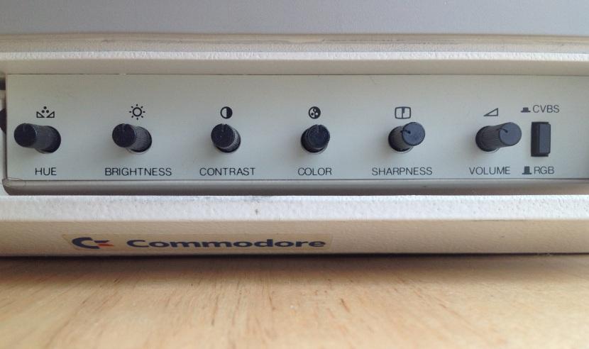 C1084_Front_Controls_Close